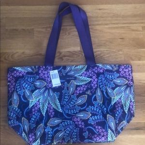 NWT Vera Bradley water resistant Large Family Tote